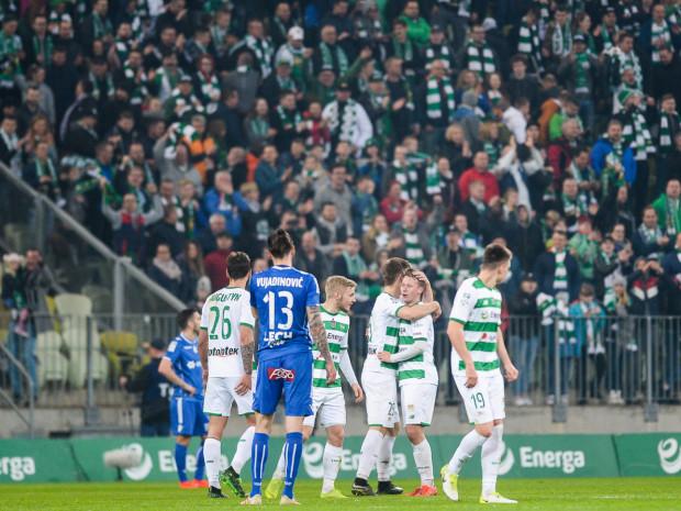 Kibicom Lechii Gdańsk co najmniej do końca sezonu pozostanie wspieranie piłkarzy tylko w meczach domowych.