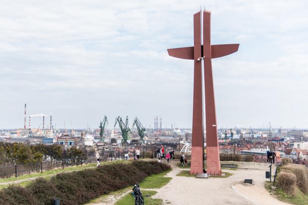 Krzyż Milenijny stanął na Górze Gradowej w 2000 r.