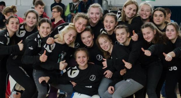 Juniorki stanowią też o sile seniorskiej drużyny SPR Arka Gdynia, która z kompletem zwycięstw przewodzi w grupie pomorskiej II ligi.