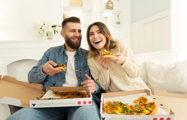 Wspólna izolacja domowa może być szansą na poprawienie relacji w związku lub zarzewiem wielu konfliktów.
