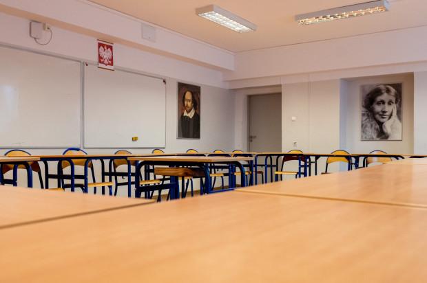 Wciąż nie wiadomo, co z egzaminami ósmoklasistów i maturami, oraz czy rok szkolny zostanie przedłużony.
