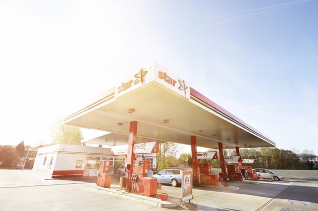 Orlen posiada dwa punkty ładowania dla pojazdów zasilanych wodorem na niemieckich stacjach paliw (Mülheim i Wolfsburg). Niebawem wodór zatankować będą mogli także kierowcy w Czechach. Koncern liczy, że fuzja z Lotosem przyspieszy rozwój technologii wodorowej także w Polsce.