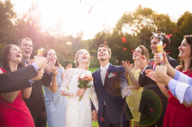Młode pary przekonują, że zaplanowanie ślubu to często wiele miesięcy.