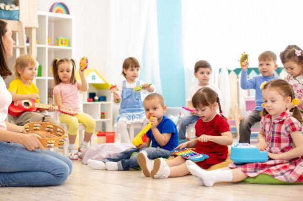 Po otwarciu przedszkoli i żłobków wciąż wiele dzieci nie będzie mogło skorzystać z opieki.