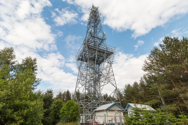 Wieża widokowa na górze Donas przyciąga spacerowiczów nie tylko zamieszkałych w okolicy.