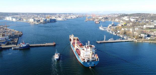 Port Gdynia pomimo kryzysu w wymianie handlowej osiągnął wzrost przeładunków.