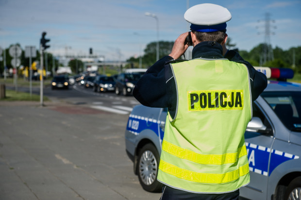 Mężczyznę wiozącego siedmioletnie dziecko zatrzymał patrol drogówki. Zdjęcie ilustracyjne.