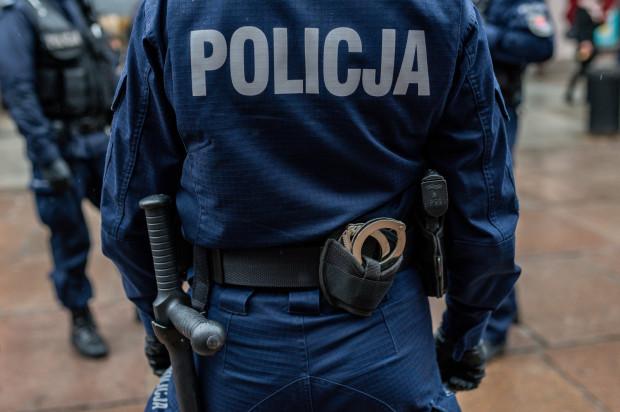 Policjanci szukają świadków nocnego zdarzenia na ul. Orfeusza w Osowej.