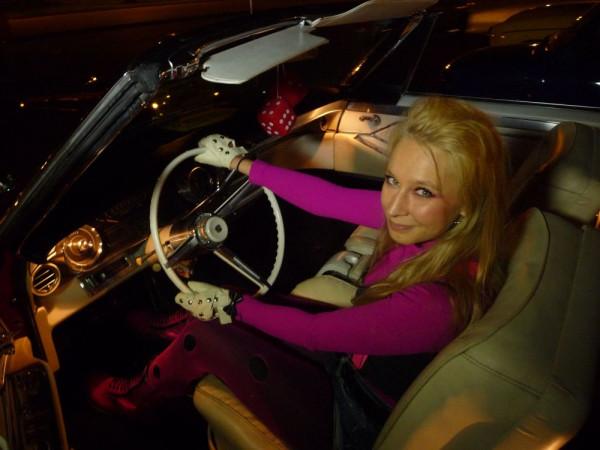 Tam gdzie piękne samochody, są i piękne kobiety...