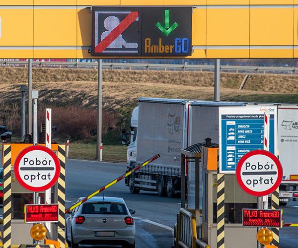 Wyjazd z autostrady dla kierowców opłacających przejazd online.