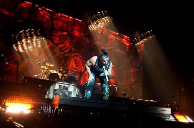 Pierwszy koncert Rammstein odbył się w Ergo Arenie w poniedziałek. Drugi Niemcy zagrają w tym samym miejscu we wtorek, 15 listopada. Warto się wybrać, bo takiego widowiska koncertowego w Trójmieście jeszcze nie było.