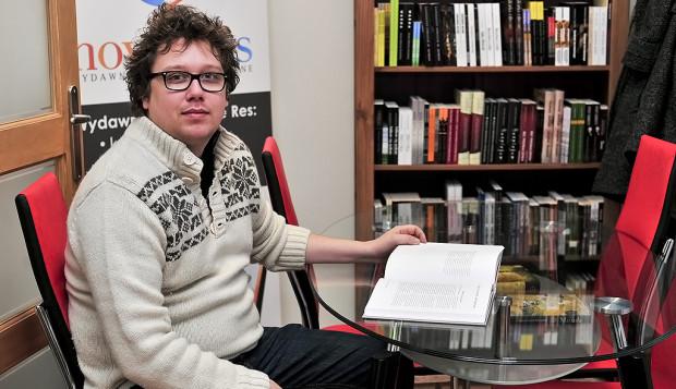Na wydawaniu książek można zarobić. Wystarczy zaangażowanie i odejście od standardów rodem z lat 80. - twierdzi Wojciech Gustowski z wydawnictwa Novae Res.