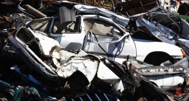 Auto-złom. Tam kończą porzucone przez swoich właścicieli samochody w Trójmieście.