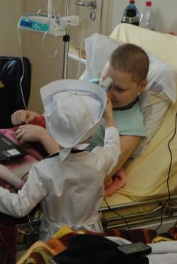 Zbadała swoje koleżanki i kolegów, będących pacjentami na tym samym oddziale co ona.