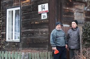 Rodzina Trzcińskich mieszka w wozowni należącej do zespołu dworu od 1949 roku. 14 lat temu miasto sprzedało ich razem z dworem.