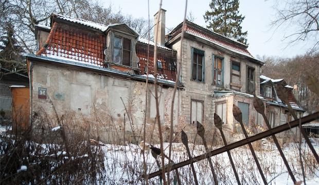 Dwór Studzienka we Wrzeszczu jest w fatalnym stanie. Właściciel chce o niego zadbać, ale nie ma na to pieniędzy.