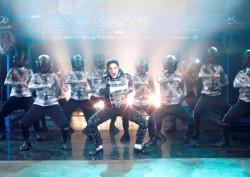 """""""Forever King of Pop"""" to muzyka, taniec i atmosfera koncertów Michaela Jacksona. Czy duch słynnego muzyka faktycznie uniesie się nad Ergo Areną przekonamy się 16 marca."""