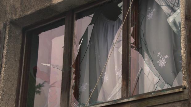 W wybuchu, do którego doszło na skutek wtorkowego pożaru warsztatu samochodowego przy Trakcie św. Wojciecha, poważnie uszkodzony został sąsiedni budynek, w którym znajduje się dom dziecka.