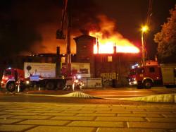 Ubiegłoroczny pożar zajezdni był efektem podpalenia - uznała policja, ale umorzyła sprawę z powodu niewykrycia sprawców.