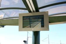 Ekran Systemu Informacji Pasażerskiej nie będzie czytelny w słoneczny dzień.