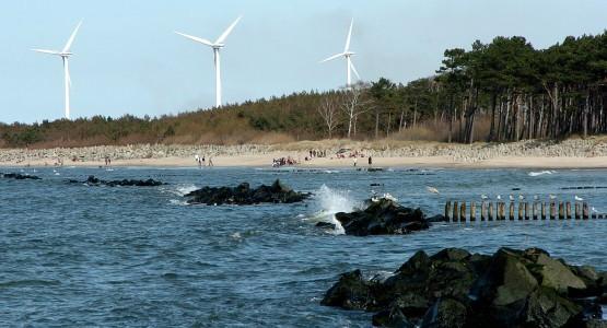 - Skoro wiatraki mogą stać nad samym morzem, to znaczy, że walory krajobrazowe Gdyni także nie są zagrożone - przekonują radni Gdyni.