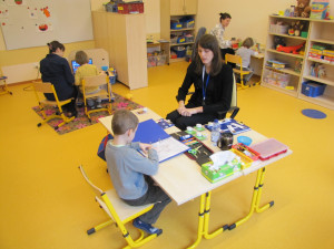 Zajęcia w Przedszkolu Specjalnym dla Dzieci z Autyzmem to, zwłaszcza w pierwszym okresie, indywidualna terapia.