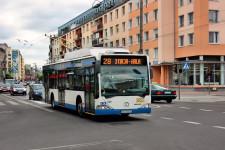 ... W Gdyni ten sam uczeń traci zniżkę dopiero 31 grudnia w roku, w którym ukończył wiek 24 lat...