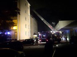 Na razie na miejscu są cztery zastępy straży pożarnej.