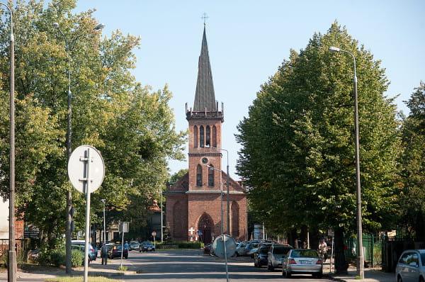 Neogotycki kościół.