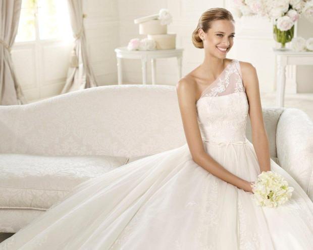 W ekskluzywnych salonach mody ślubnej w Trójmieście  przyszłe panny młode mogą wybierać spośród najnowszych kolekcji z Paryża, Nowego Jorku czy Barcelony.