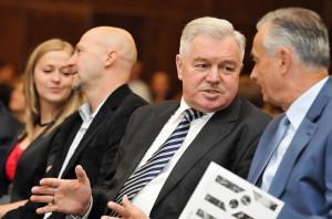 Mistrzowie na gali w Sheratonie: (od lewej) Wojciech Staroniewicz, Andrzej Szydłowski i Zbigniew Canowiecki.