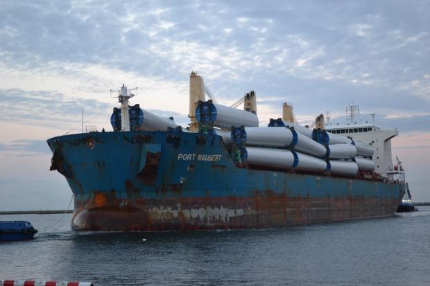 Waga poszczególnych sekcji przeładowanych w BCT wahała się od 38 do 60 ton, a łączny ciężar ładunku wyniósł 5,5 tys. ton.