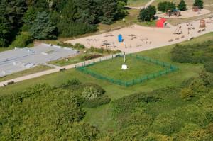 Wokół czynnej studni funkcjonują strefy bezpośredniej ochrony ujęcia. Tu przykład z Parku Reagana.