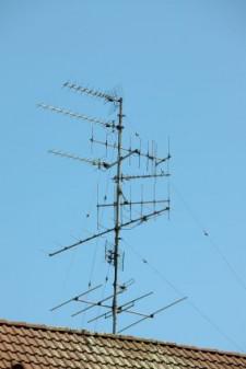Taka antena może odbierać sygnał cyfrowy. Dużo zależy od jej sprawności i telewizora, który musi być przystosowany do obsługi formatu MPEG4.