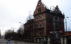 Wielki problem, z którym planuje się zmierzyć konserwator to m.in. dawne budynki Zakładów Mięsnych. Tu stan na listopad 2011 roku po ostatnim pożarze.