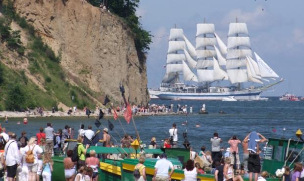 Wieńcząca Tall Ships' Races parada morska wywołała wielkie poruszenie na całym wybrzeżu – odpływające z Gdyni majestatyczne żaglowce oglądały na trójmiejskich plażach tysięczne tłumy.
