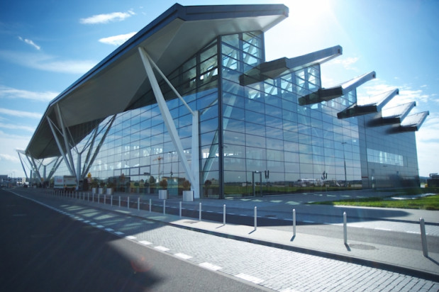 Nowy terminal pasażerski na lotnisku w Rębiechowie zwyciężył w kategorii Aura Biznesu Trójmiasta.