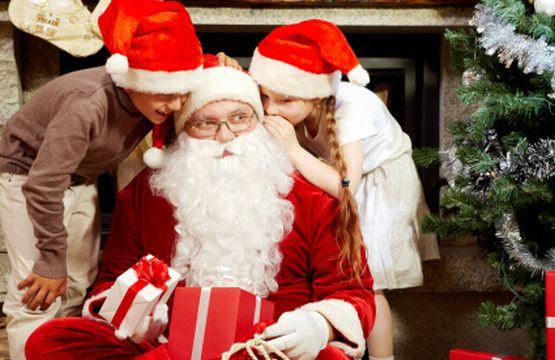 W sobotędzieci będą miały okazję zobaczyć przy molo w Brzeźnie niebo pełne Mikołajów.